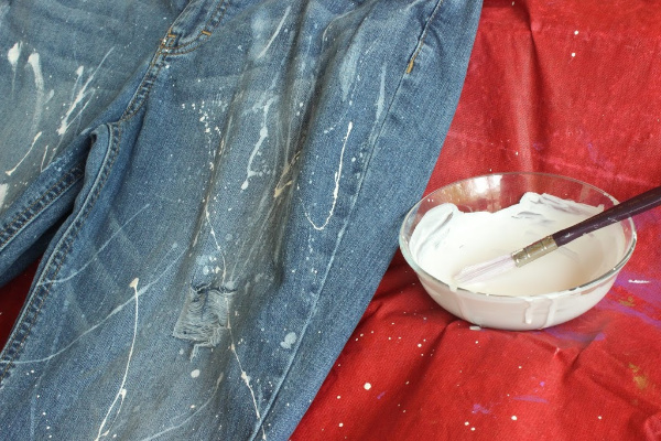 DIY Splatter Paint Jeans | The Style Medic